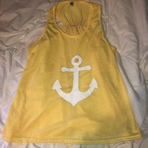 ❤️❤️ 4/$15 Adorable yellow anchor racerback